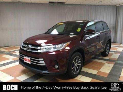 Pre-Owned 2017 Toyota Highlander XLE V6 AWD AWD